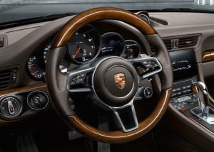 Porsche e quella accensione a sinistra