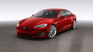 Tesla Model S rinnova il look